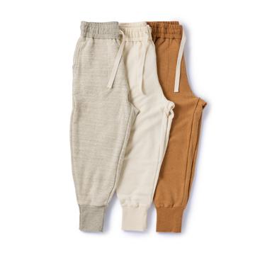 「やわらかアタマ」は、在宅ウェアから|《裾リブパンツ》そのまま外出できる、オーガニックコットンの「大人の部屋着」|MONOEARTH