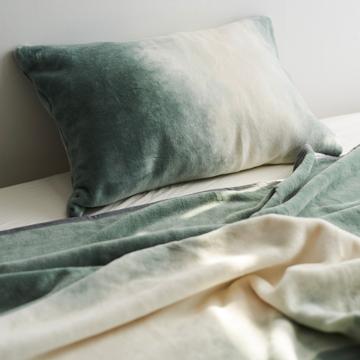 「タイトルのある毛布」が、空間を変える|《ピローケース》夏も冬も、気持ちいい!綿毛布の自然な柔らかさ|FLOOD OF LIGHT(LOOM&SPOOL)|カーキ