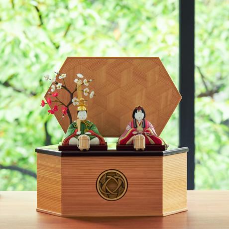 毎年のしあわせを願う「リビング雛人形」|日本の伝統工芸をコンパクトモダンに