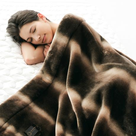 寝心地がまるで違う「毛布」|暖かさはもう当り前、軽さとなめらかさも実現