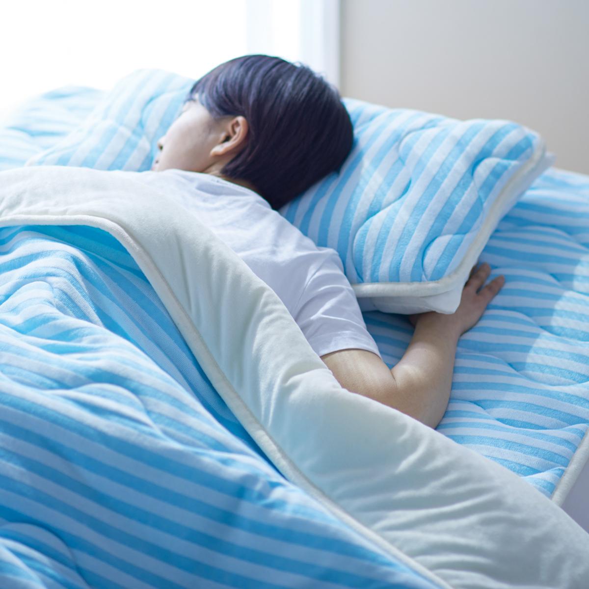 寝苦しい夜も、朝まで快眠|吸汗・放湿・速乾で、梅雨から夏まで「ムレ知らず」