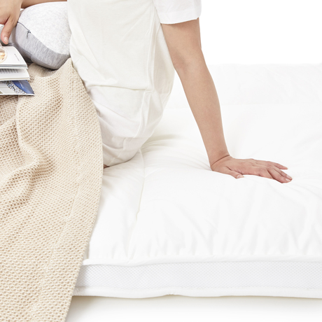 「朝から元気!」をくれる体圧分散マットレス|整形外科の名医が考案、「柔硬2層構造」で体がラク