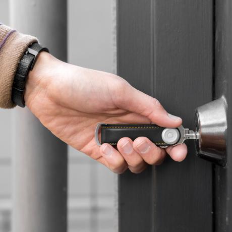 『鍵収納』をデザインする|もうドア前でも迷わないキーケース