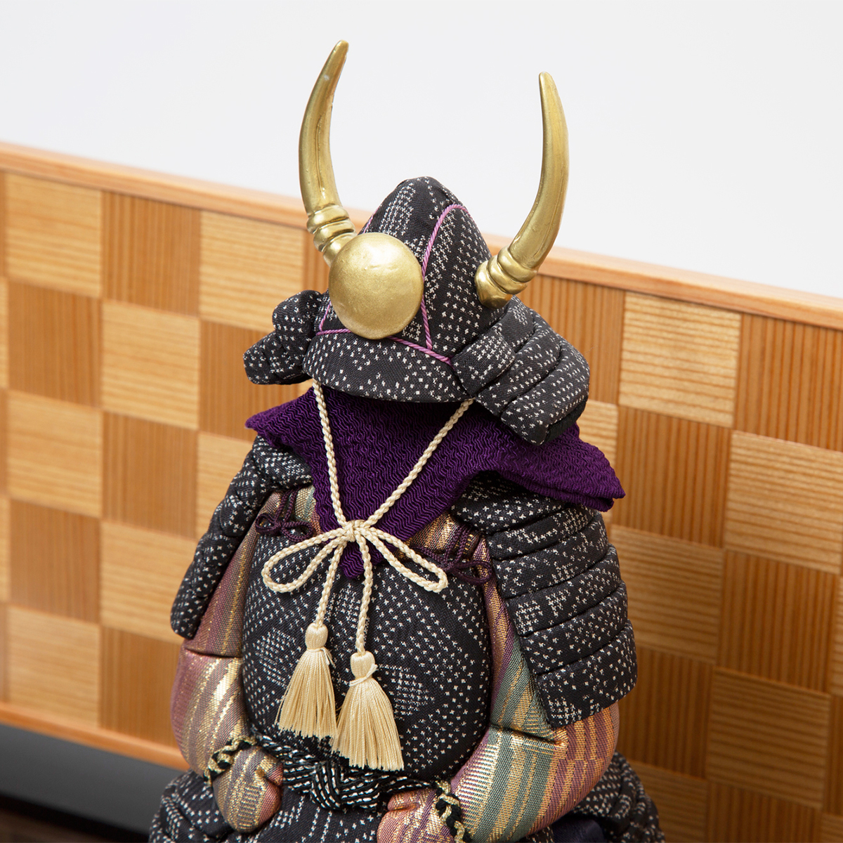 毎年の幸せを願う「五月人形」 | リビングに飾れる「プレミアムコンパクト五月人形」