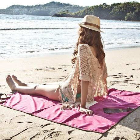 砂がつかないビーチブランケット|海にも優しく、人にも優しい、ビーチのお供