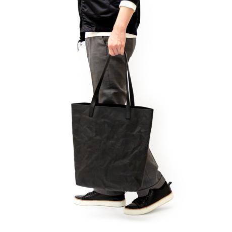 """10年後の""""顔""""が見たくなる「紙のバッグ」"""