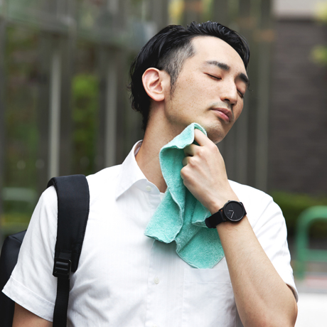 汗をすぐに分解消臭!1日中爽やかなミニタオル