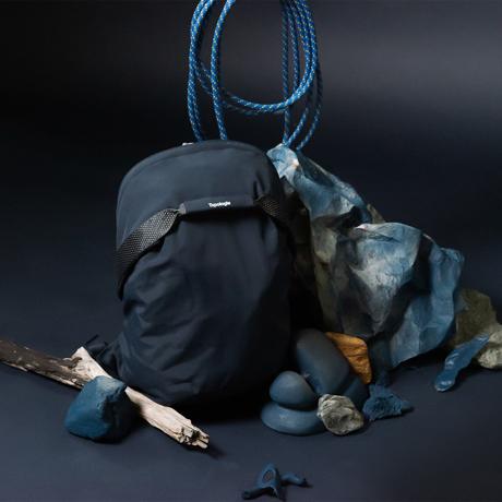 岩への挑戦から生まれた『街バッグ』|超軽量、動きやすい、荷重を分散、ミニマムデザイン