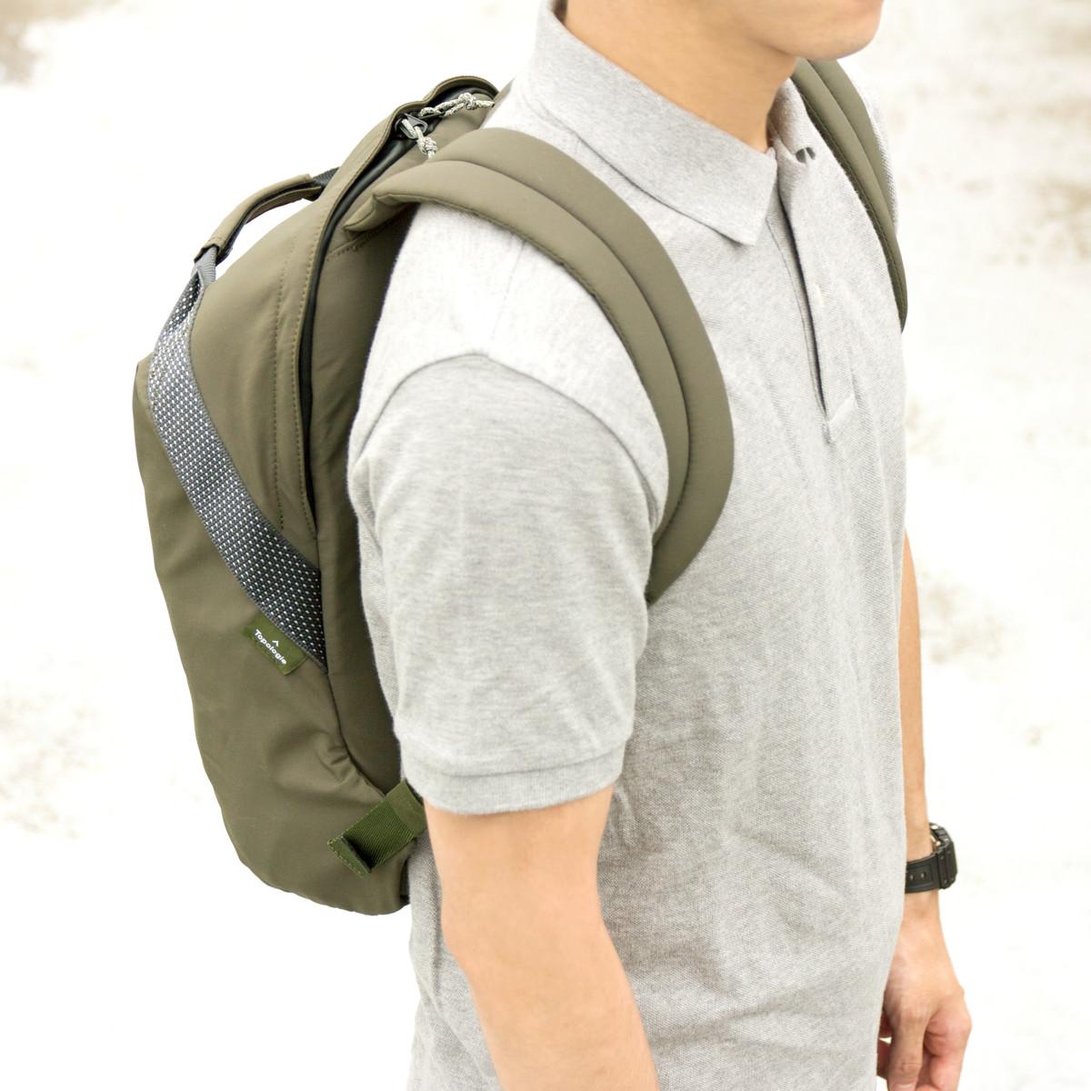 岩への挑戦から生まれた『街バッグ』 超軽量、動きやすい、荷重を分散、ミニマムデザイン