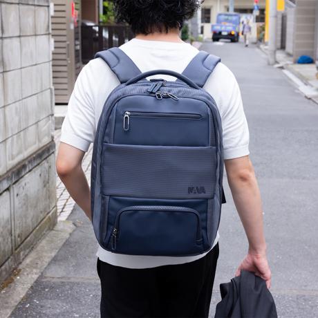 パカッと180°開く「出張バックパック」|シャツも仕事道具もスマートに収納できる