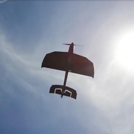 飛んでけ!みんなが笑顔になる『未来の紙飛行機』