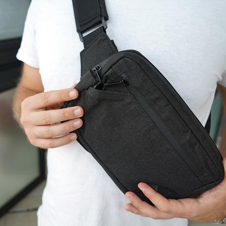 『着る財布』で、心地いい移動を