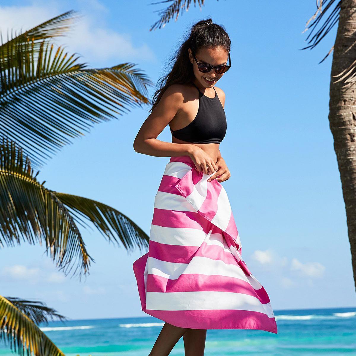 世界のビーチから生まれた「バカンスタオル」|水をサッと吸収、砂がつかないマイクロファイバー製