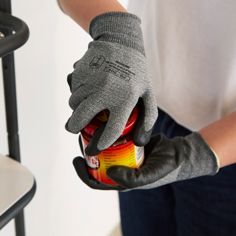 家事にDIYに「やる気手袋」|スマホにタッチOK!ネジもつまめるフィット感