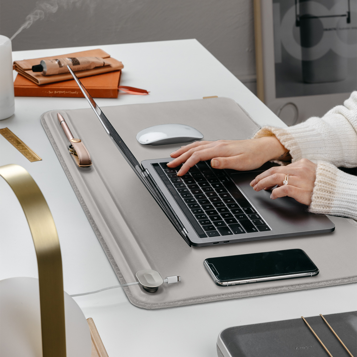 テレワーク効率化グッズで、快適な仕事環境に整える