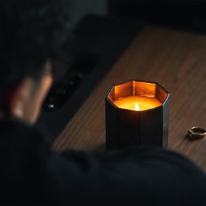450年の伝統から生まれたヒノキのアロマキャンドル