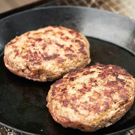 週末を「牛飼いステーキ」で祝おう!