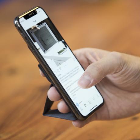 スマホアクセサリーで快適なモバイルライフを|スマホがもっと便利になるおすすめグッズをご紹介