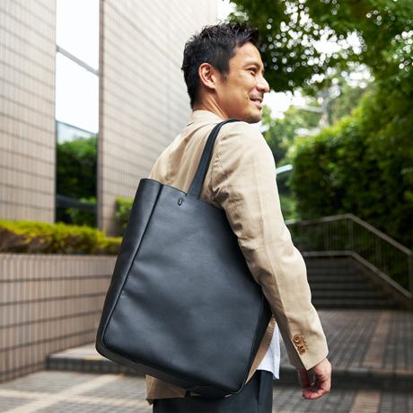 防水レザーバッグの新世代は、軽くてジェンダーレス|高機能な『FARO』の最新型防水レザーバッグ
