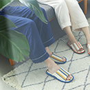 夏、素足の衣替え 指先サラサラ、何度も洗える高島帆布スリッパ