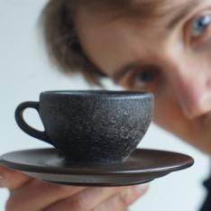 「おしゃれなコーヒーカップの正体は?」