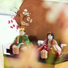 毎年の幸せを願う「リビング雛人形」